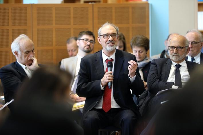 Entre citoyens et administrations : médiation impossible ?