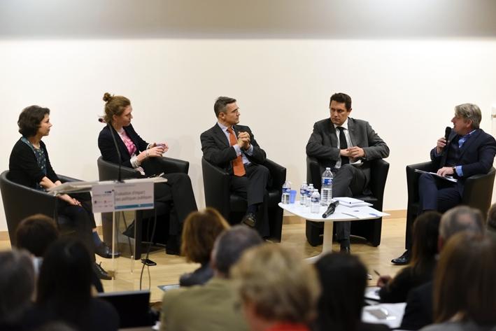 """""""Évaluation d'impact des politiques publiques"""" : Comment évaluer ?"""