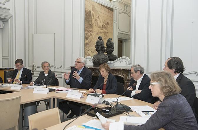 Pr sentation du rapport annuel 2013 du cni france strat gie for Interieur gouv fr cni