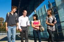 Les formations scientifiques : enjeux du système éducatif et du marché du travail