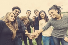 Favouring the Economic Integration of Young People with Immigrant Backgrounds