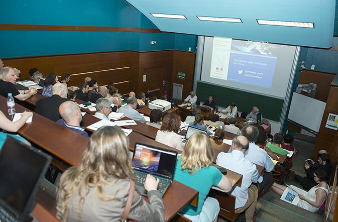 Conférence - 2025, le numérique !