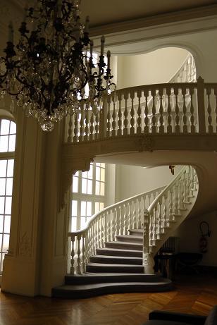 Hôtel de Vogüé : escalier particulier, 2013.Document conservé au Commissariat général à la stratégie et à la prospective