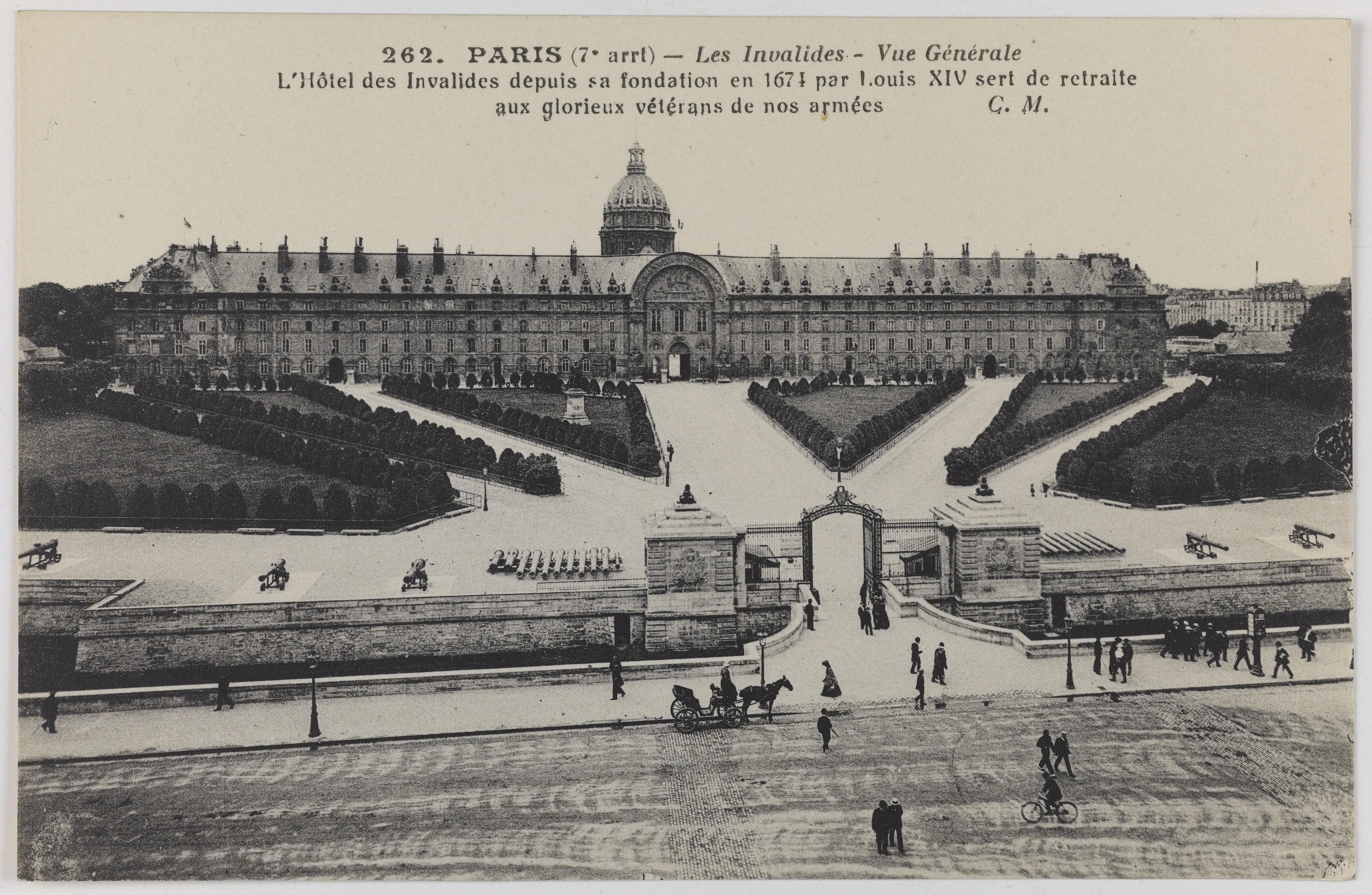Hôtel des Invalides, place des Invalides, Vue générale. Paris (7e arr.). Carte postale, 9x 13,7 cm, s. d.