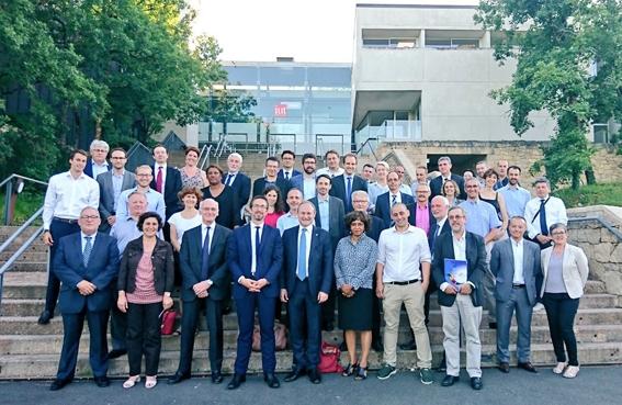 delegation-lot-ok.jpg